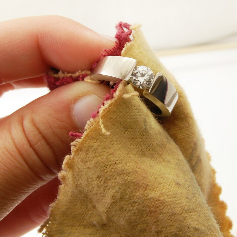 11 DIY Jewelry Cleaners You Can Easily Make At Home